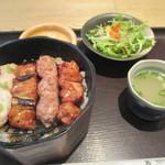 49554396 - 「焼鳥丼」(1,130円)
