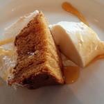 リストランテ・マリオ - キャラメルのシフォンケーキとラム酒のパンナコッタ