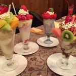 49563376 - 季節のパフェ(イチゴ、フルーツ、チョコ)