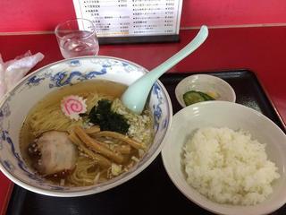 中華料理 海道 - 塩ラーメン500円+半ライス50円(税込み)