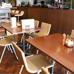 サヴァラン - 昔ながらの喫茶店のような雰囲気