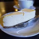 CLAMP COFFEE SARASA - チーズケーキ