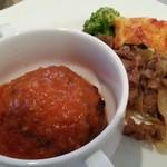 ブリランテ - 水曜日洋食は牛カルビ焼肉と豚三枚肉ハンバーグトマトソース 2016.4