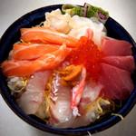 水口寿志亭市場の食堂  - 海鮮ちらし 大 +50円