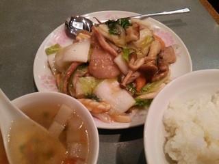 牡丹園 - 八宝菜ランチ