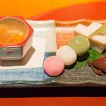 仁松庵 - お昼のコース4200円をセレクト。前菜☆