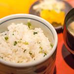 仁松庵 - 青菜とジャコの切り込みご飯です。おいちい^^