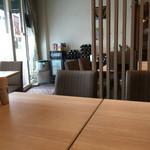 カフェ ド ラパン - 店内