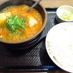 49575196 - スン豆腐定食720円(税込)和牛すじ肉
