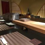 寿司・日本料理 さわ田 - 天ぷらカウンター席