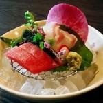 Hikariyahigashi - 「鯛と鮪造り合せ」(桜御膳)