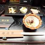 串の坊 - お通しとホタルイカの酢味噌和え
