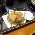 串の坊 - 魚の骨せんべい