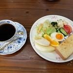 まるおか - 料理写真:モーニング(全体)