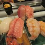 幸寿司 - まぐろ、イカ、エビ、ウニなど