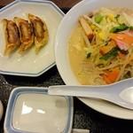 リンガーハット - おすすめA650円 ミドルちゃんぽんと餃子3個のセット
