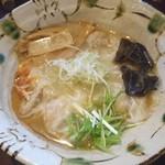 いち井 - 焼きあご塩ラーメン(海老ワンタントッピング)