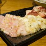 亀戸ホルモン - 2016.4 シビレ(670円)、ホルモン(670円)、ハツ(670円)