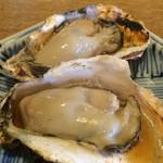 49592782 - 焼き牡蠣 430円也。