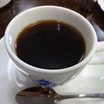 エビアンコーヒー - ホットコーヒー単品だと330円(税込)