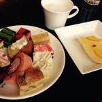 レストラン&バー「SKY J」 JRタワーホテル日航札幌 - 友達が持ってきたスィーツ全種類