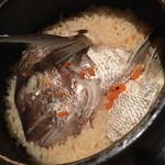 魚我志 むさし - 鯛土鍋飯4人前(2,200円)2016年3月