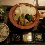 蒸し茶家 自然の中で・・・ - 冬野菜と鶏肉のヘルシーランチ 880円→540円(税込)