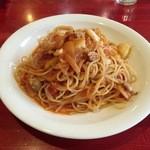 キャンティパパ - トマトソースシーフードスパゲッティ大盛り