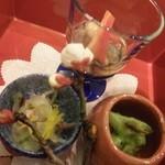 49603418 - 筍としじみの木の芽和え、河豚の昆布〆和え、煮豆