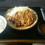 道の駅 いが - とんてき定食1,000円(税込) 大きな豚バラ肉にお馴染みとんてきソースが。とんてきソースは醤油味がまさったかな?