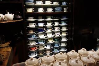 自家焙煎珈琲 凡 - ウエッジウッド、ジノリ、ロイコペ等のカップコレクション