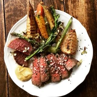 黒毛和牛のステーキとお野菜