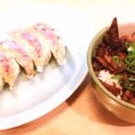 くるまや - 20160410「餃子」320円+「肉丼」350円…計670円