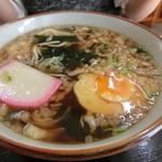 みさき庵 - タヌキソバ 下から卵とナルトがお目見え