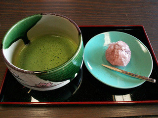 正法寺 - (2016.4月)宇治田原の老舗茶園の抹茶、和菓子は日々かわるそう