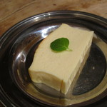 燕食堂 - ベイクドチーズケーキ ¥200