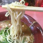 博多ラーメン天外天 - 麺は博多でお馴染みの細スト麺d(^_^o) 硬さ指定可。