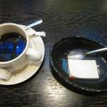 49619523 - コーヒーと杏仁豆腐