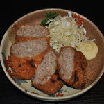 和 - 料理写真:手造りメンチカツ。
