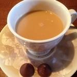 文殊 - ミルク入れて、チョコ置きました