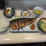 49621324 - 秋鯖の一枚焼き定食 900円