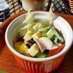 49630759 - ハーブは自家栽培で、野菜もほとんどは地元産の採れたての新鮮なもの