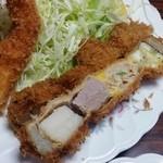 れんが亭 - 「もり合わせ定食」の串カツは4段になっています