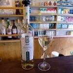 49638745 - ウズベキスタンワイン、バギザガン(白)