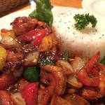 ザ・レッドロック - アジアンテイストのピリ辛の海老の野菜炒め