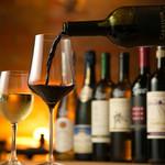 ランズ カマクラ - ワインも豊富に取り揃えております。