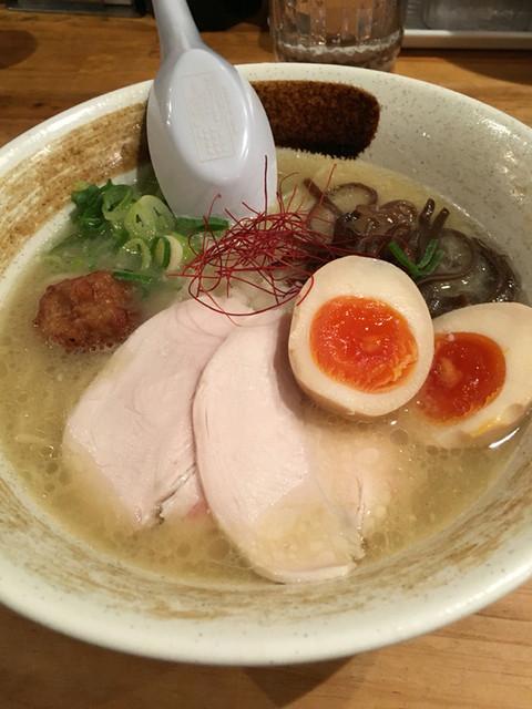 麺屋 こいけ - 濃厚鶏白湯そば、味玉付き