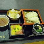 讃岐うどんの庄 かな泉 - おすすめ定食 ざるうどんと天ぷらとちらし寿司 750円