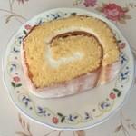 お菓子の安寿真 - 料理写真:しっとり生地で美味しく♪