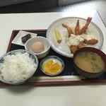 三栄 - 海老フライ定食